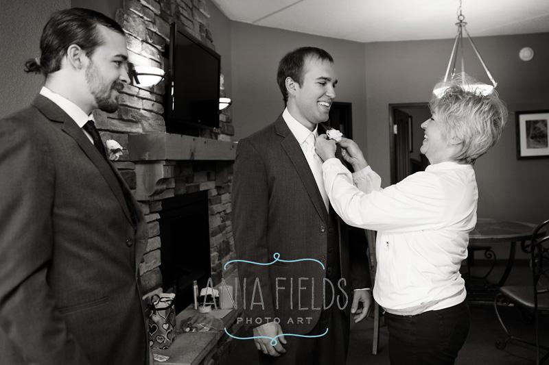 Chula-Vista-wedding-Wisconsin-Dells_05