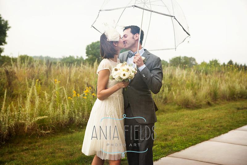 rainy wedding pctures