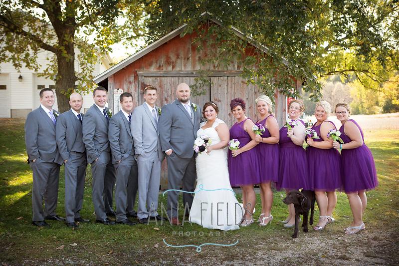 farm-wedding-party-photos