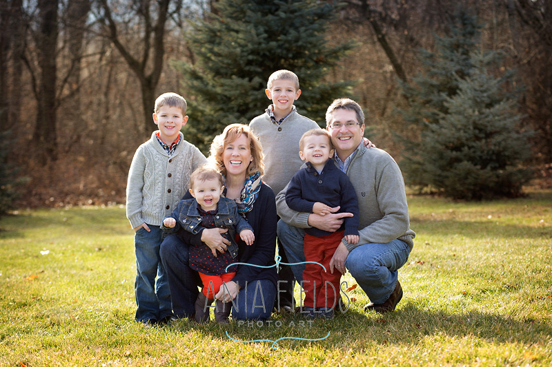 grandparents-with-grandkids-extended-family-photos