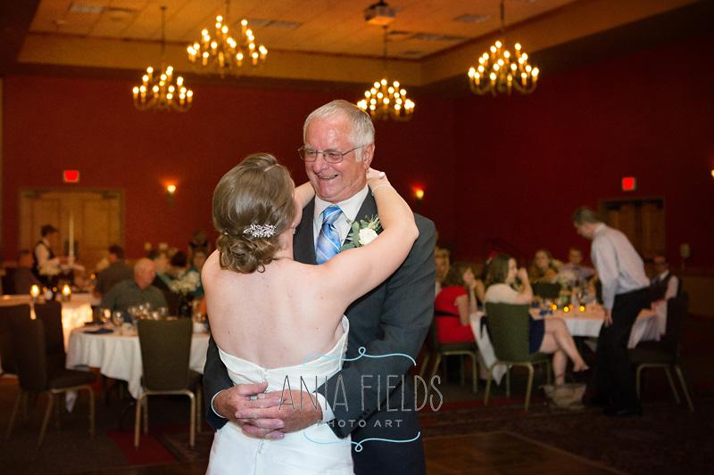 2-Wilderness-resort-wedding-Wisconsin-Dells_10