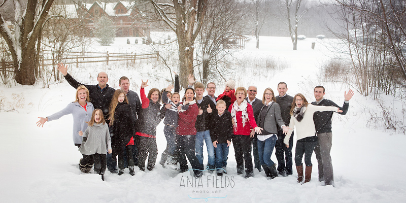 fun winter extended family portraits