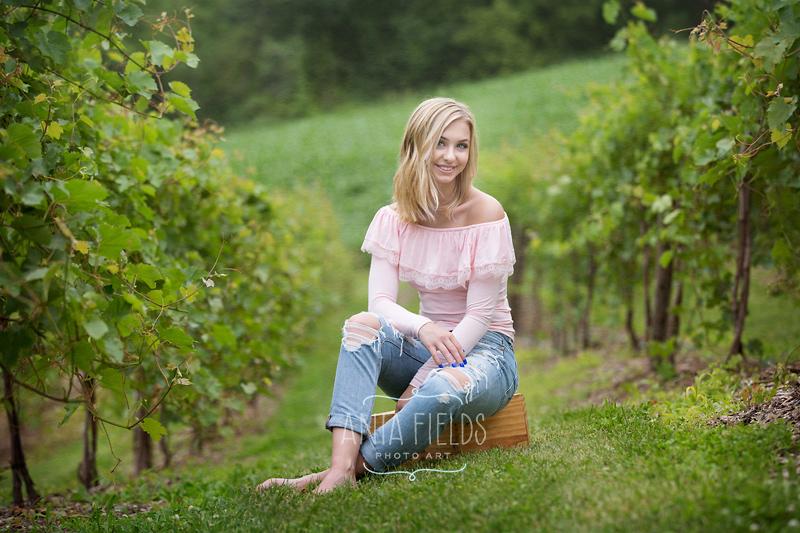 vineyard senior picture